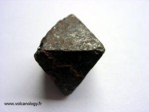 Octaédre de magnétite