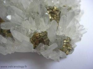 Pyrite sur quartz de Cavnic en Roumanie
