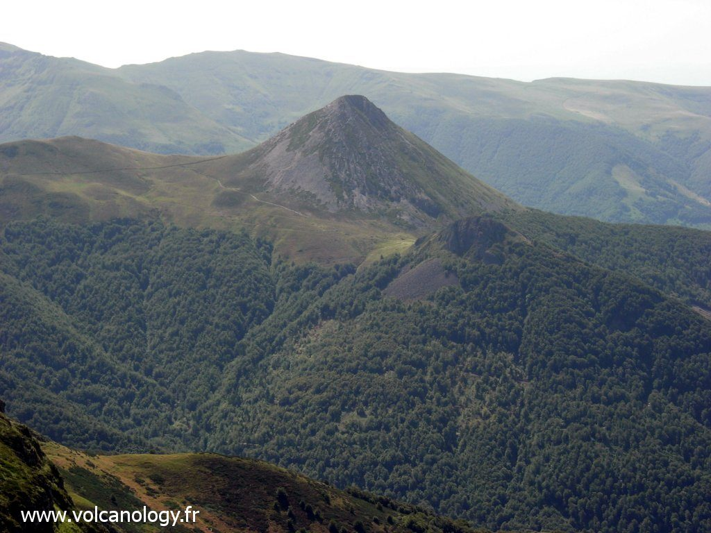Le Puy Griou (Cantal) - dôme de phonolite