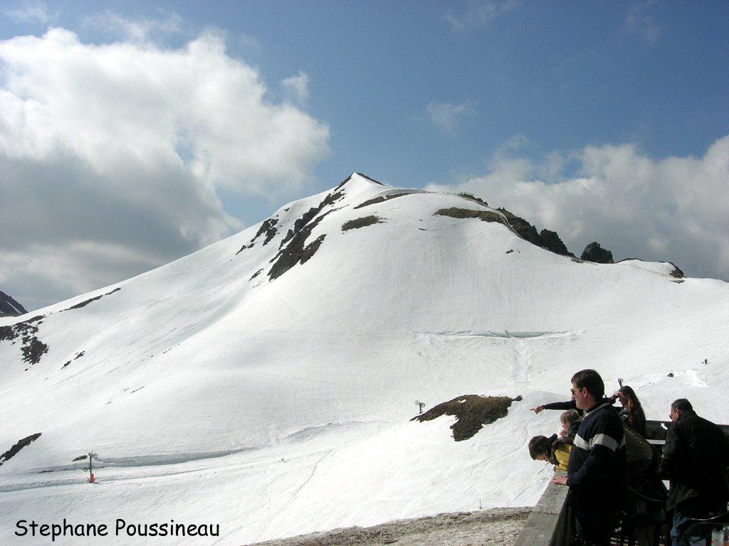 Le sommet du Puy de Sancy enneigé en Auvergne (Massif Central Français)