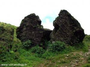 La roche fendue