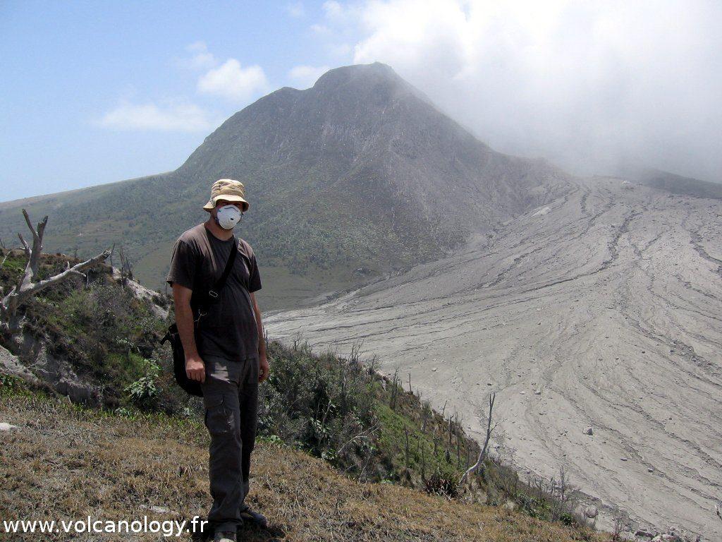 Moi et le volcan de Soufrière Hills de Montserrat (Antilles anglaises)