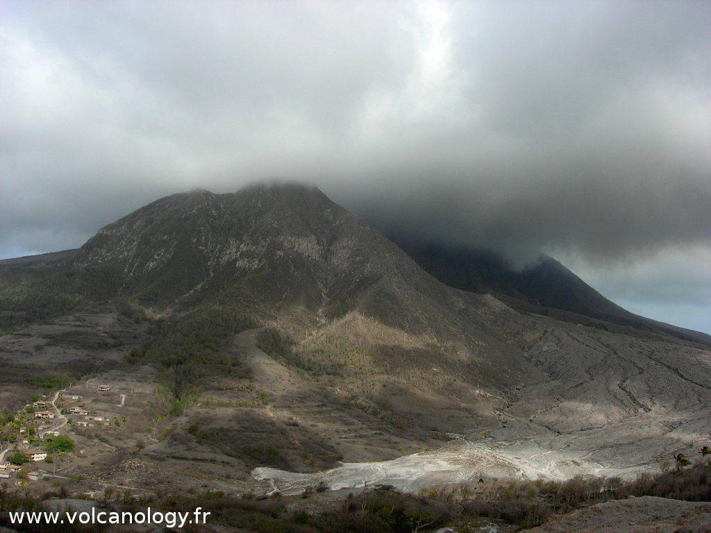 Le volcan de Soufrière Hills de Montserrat (Antilles anglaises)