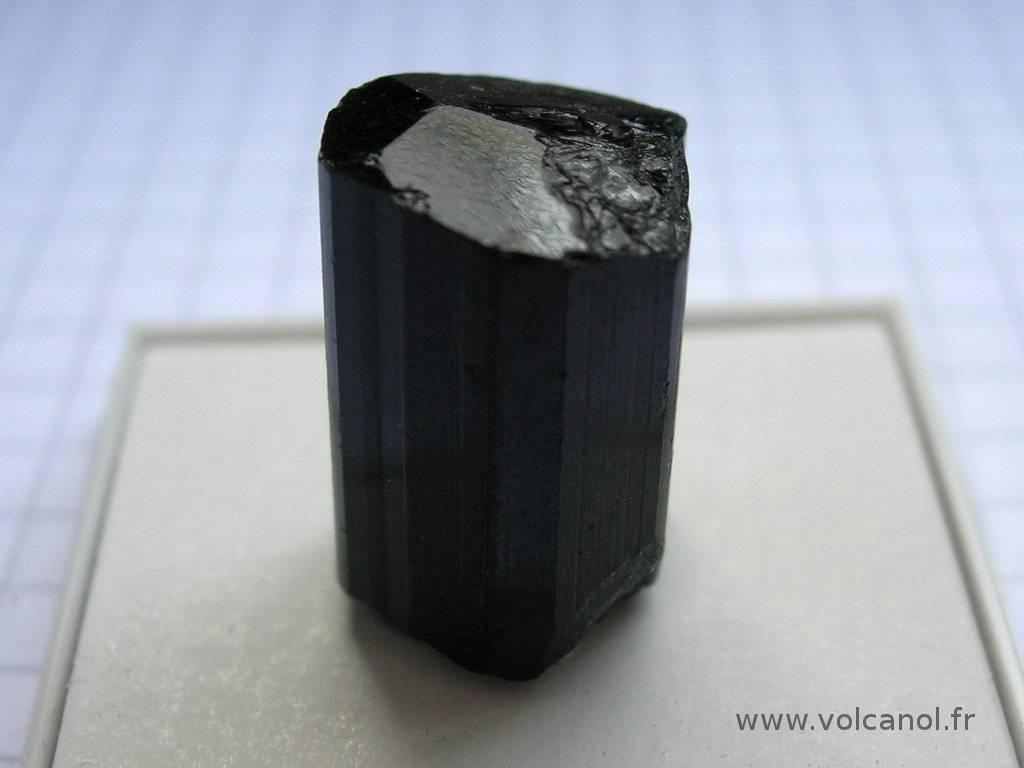 Schorl (variété de tourmaline noire – Minas Gerais Brésil)